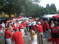tailgaters gather and give thjeir own recognition