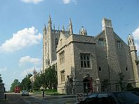 Mizzou has many old gothic buildings like the Jpurnalism School with stone exteriors and slate roofs.
